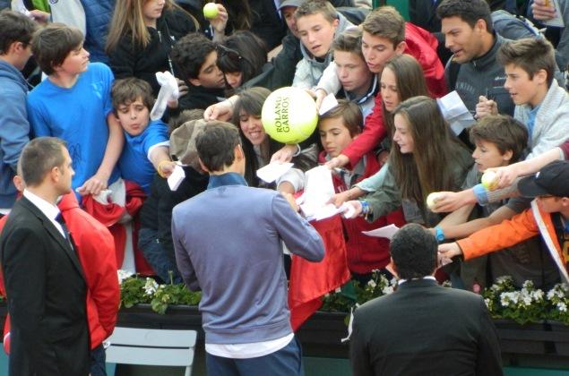 Federer Signing (2)