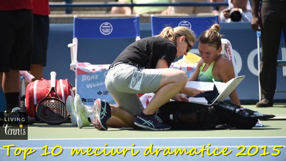 Simona Halep primind vizita fizioterapeutei în timpul finalei de la Toronto cu Belinda Bencic. Foto: rogerscup.com.