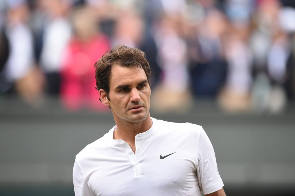 Djokovic  îl învinge pentru al doilea an consecutiv pe Federer la Wimbledon, își păstrează titlul